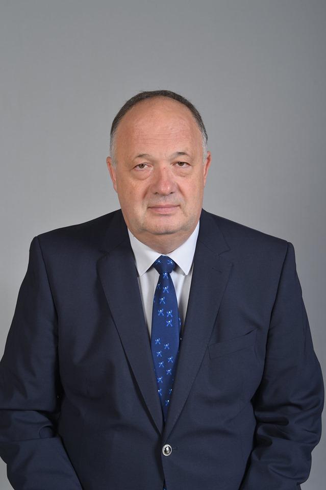 Д-р Пламен Латев